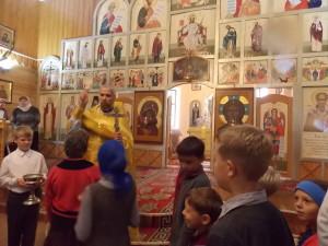Молебен, дети, служба