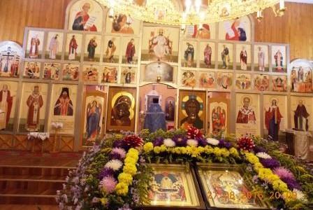 В воскресенье 28 августа на Свято-Никольском приходе прошла служба Успению Пресвятой Богородицы и молебен к началу учебы