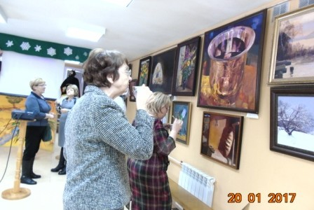 Выставка работ семьи Ушаковых была открыта в дни престольного праздника Свято-Никольского храма