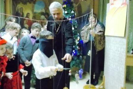Во время святок, на праздник Обрезания Господня, на Свято-Никольском приходе была проведена Рождественская елка для детей
