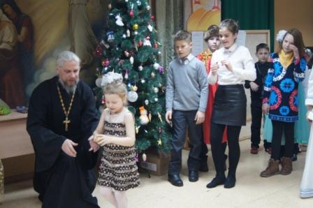В канун старого нового года на Свято-Никольском приходе была проведена Рождественская елка для детей
